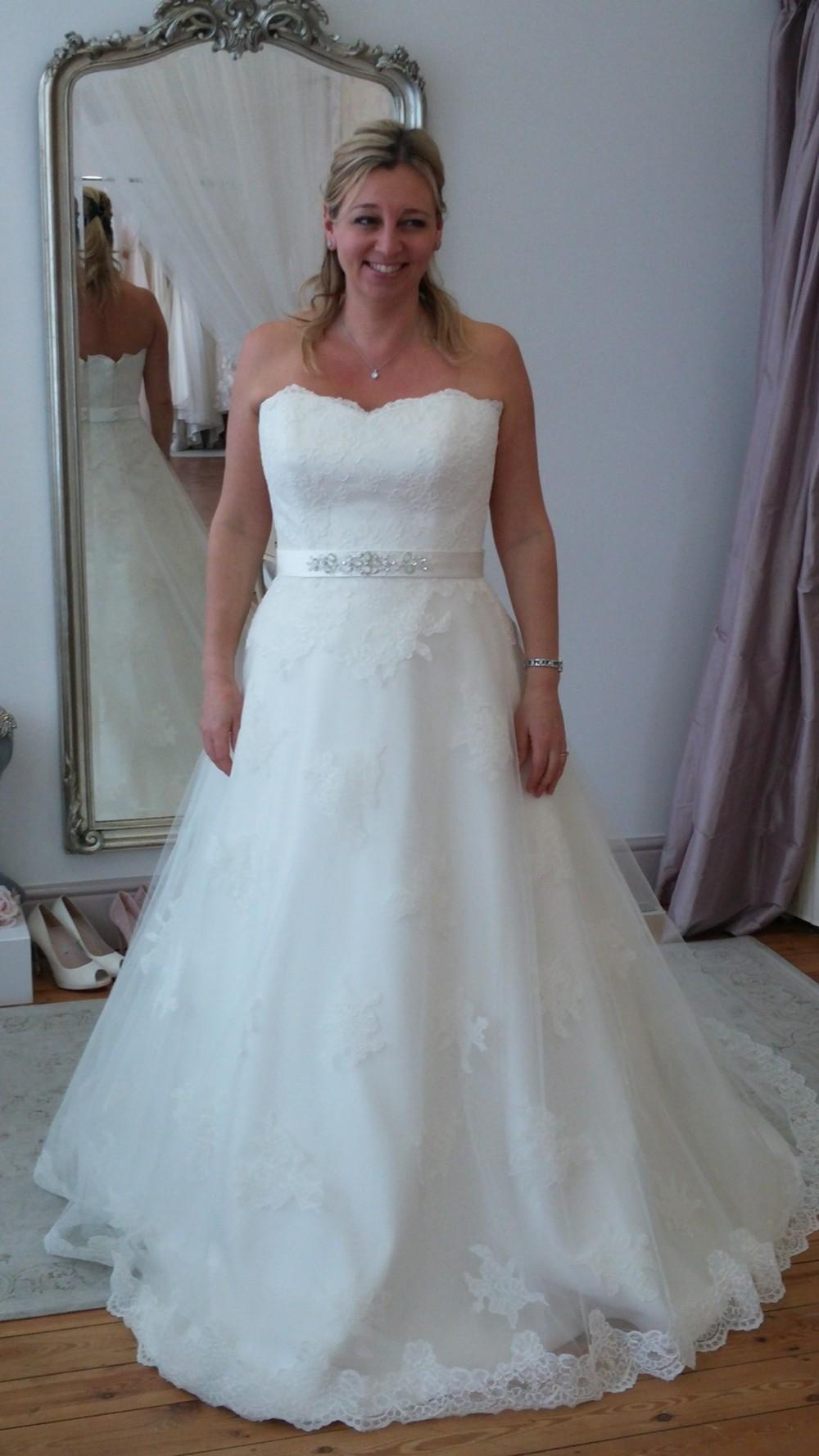 Augusta Jones Juno New Wedding Dress on Sale 39% Off