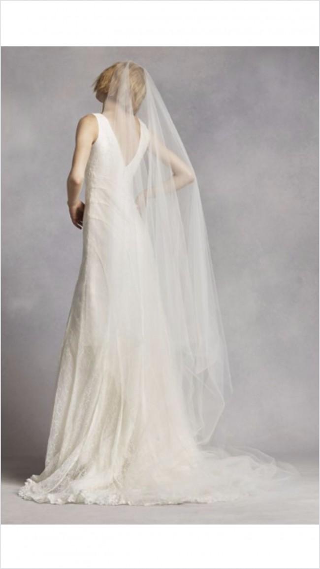 Vera wang white by vera wang v neck and lace wedding dress for Vera wang v neck wedding dress