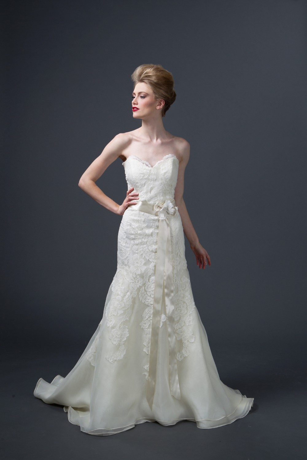 Trumpet Sample Wedding Dress On Sale 58 Off