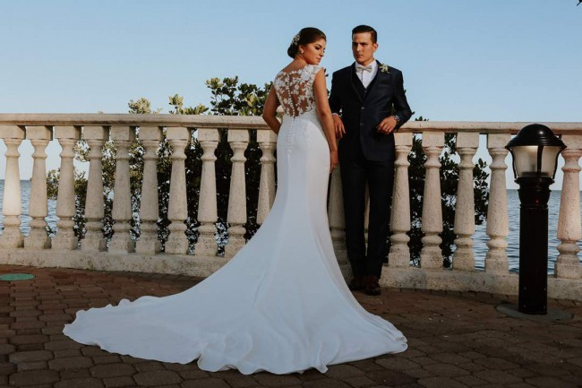 Pronovias Vicenta Second Hand Wedding Dress On Sale: Pronovias Drail Second Hand Wedding Dress On Sale 44% Off