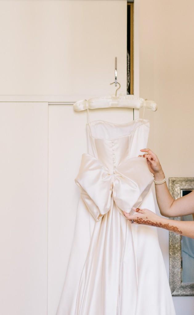 Phillipa lepley custom made second hand wedding dress on for Second hand wedding dresses london