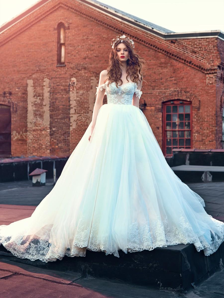27 Fairytale Worthy Wedding Dresses