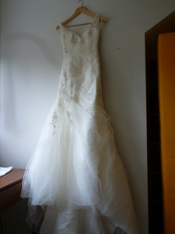 Enzoani barbados style 3703 new wedding dresses stillwhite for Wedding dresses in barbados