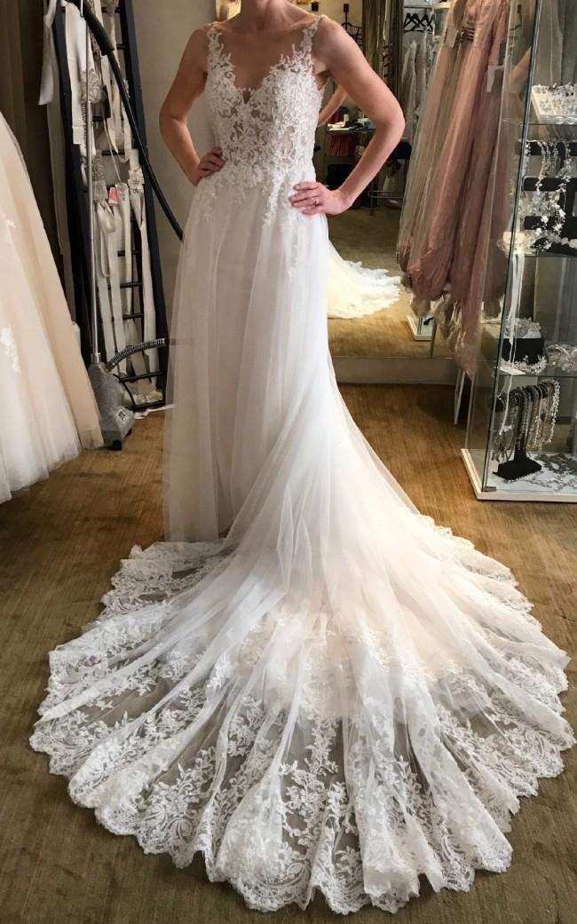 Evelyn Lauren 491 Pre-Owned Wedding Dress on Sale 53% Off