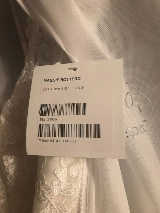 Maggie Sottero, A-Line
