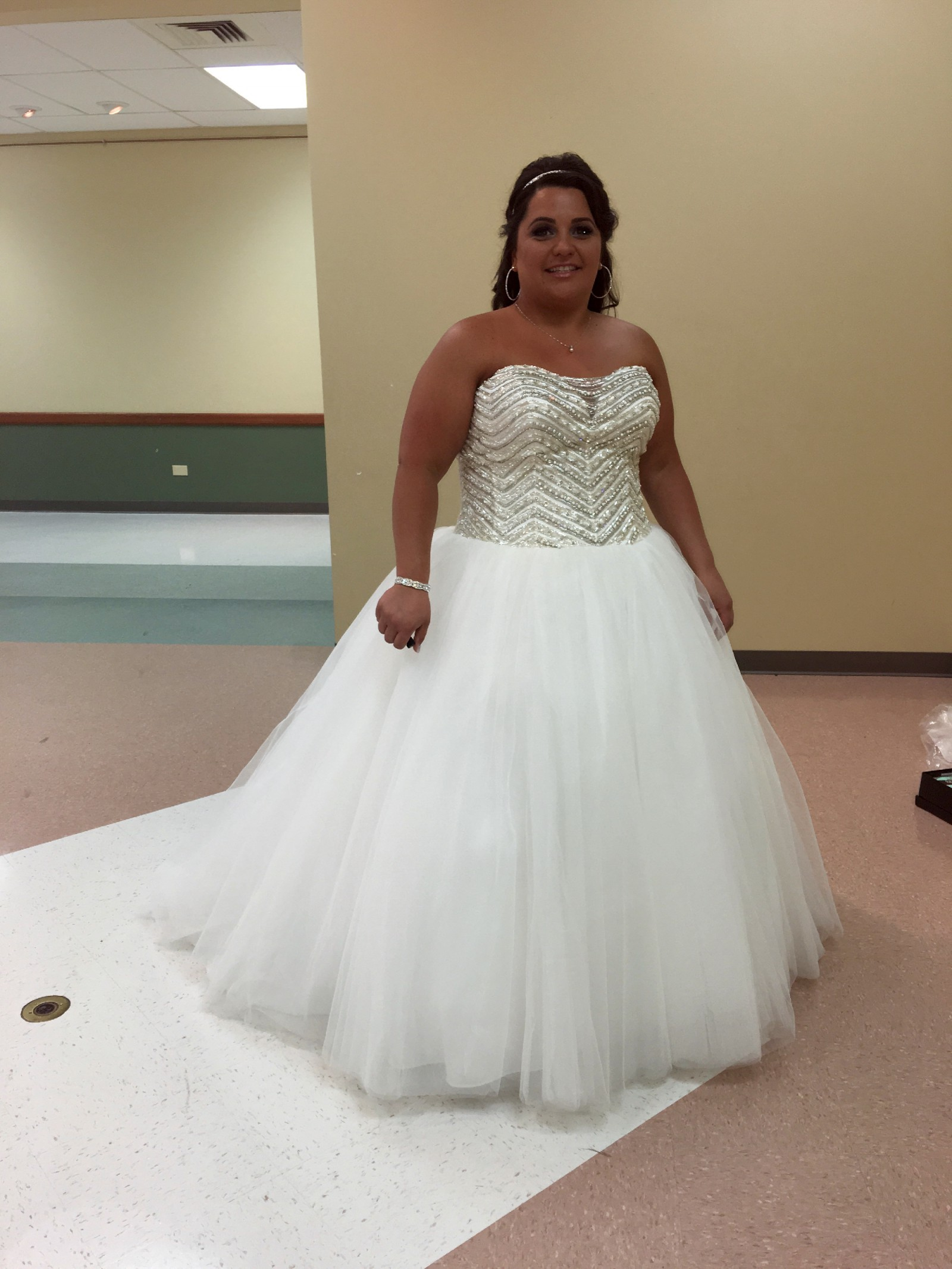 David 39 s bridal bling princess wedding dress pre owned for Used cheap wedding dresses for sale