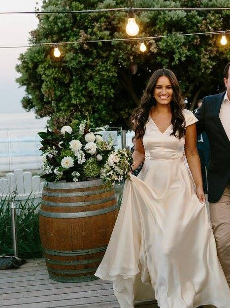Sarah seven columbus used wedding dresses stillwhite for Used wedding dresses columbus ohio
