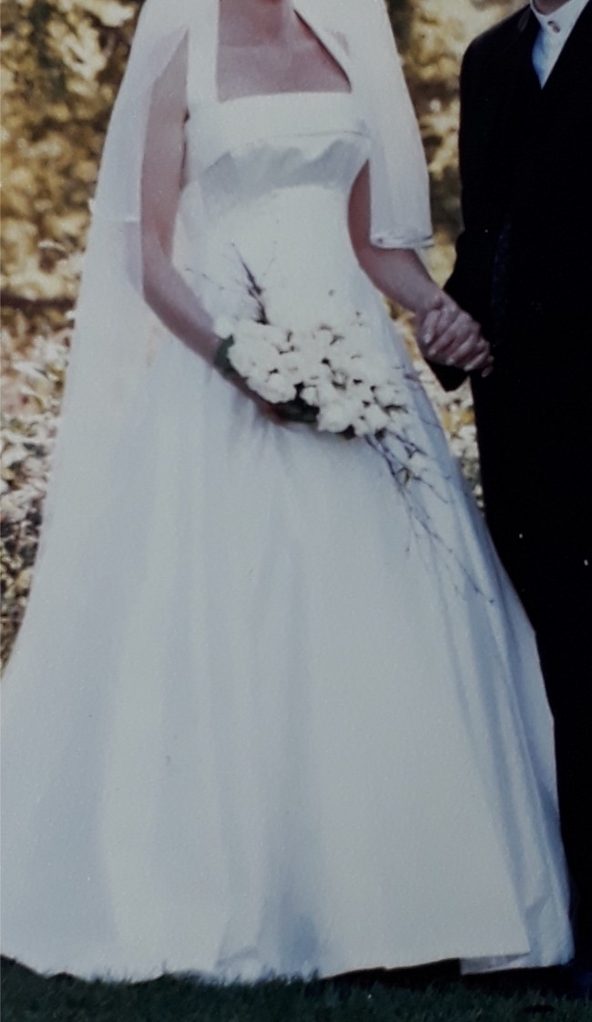 Mirror Mirror - Second Hand Wedding Dresses - Stillwhite