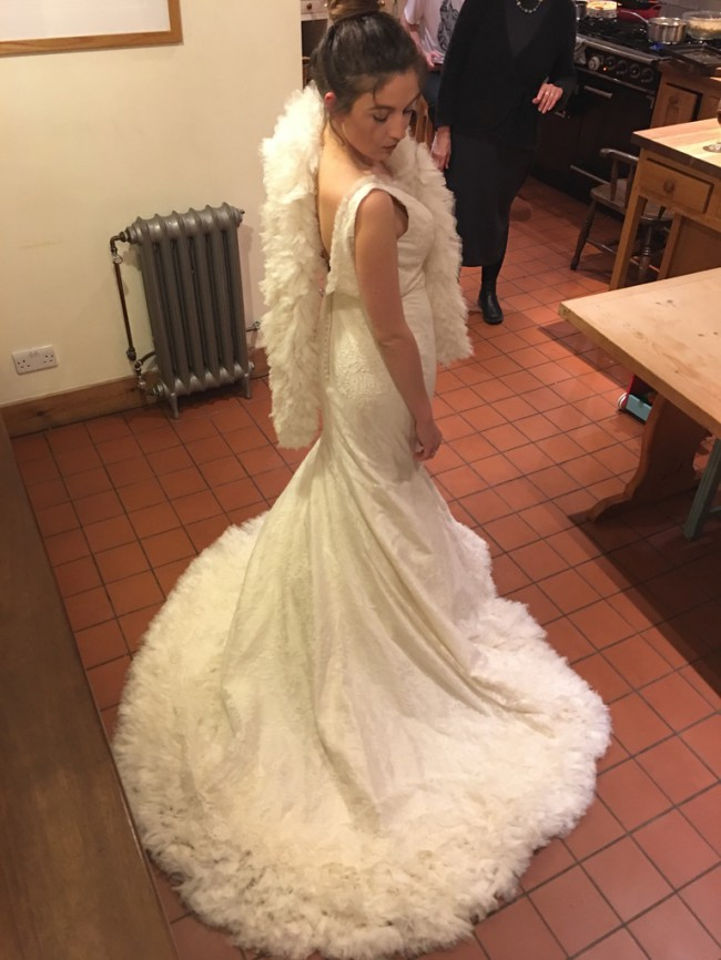 Ian Stuart Orient Express New Wedding Dress on Sale 81% ...