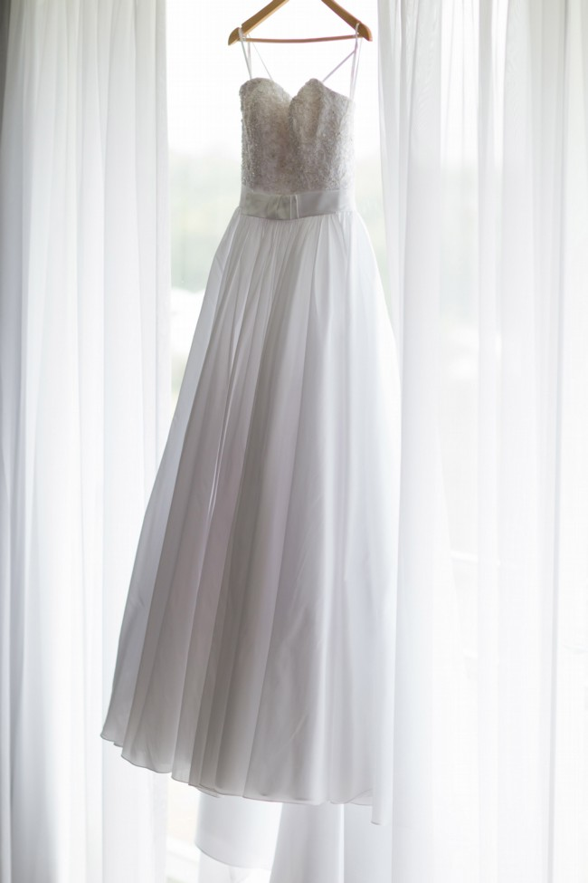 Brides by mancini pia preowned wedding dress on sale 68 off for Where can i sell my wedding dress locally
