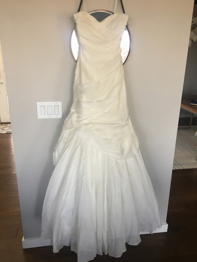 Monique Lhuillier Peony Wedding Dress on Sale 86% Off
