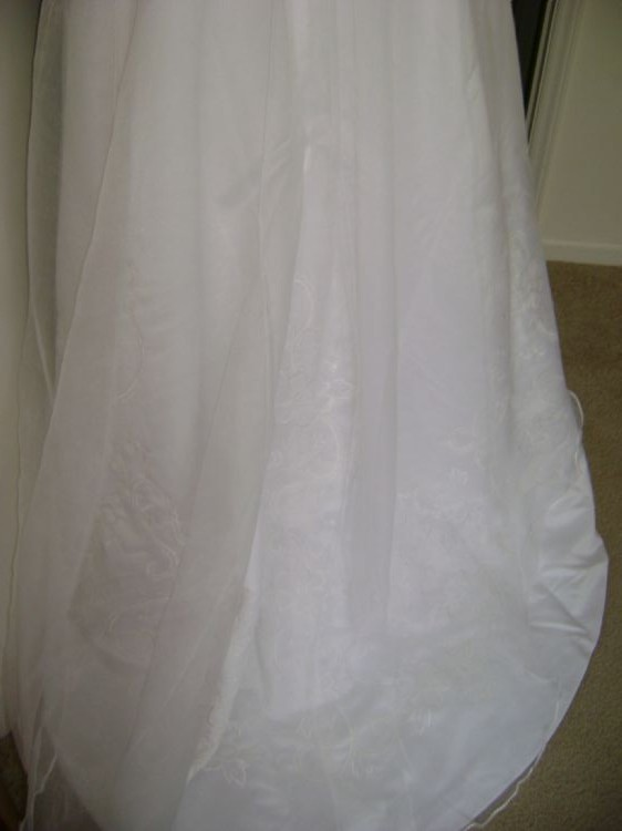 Gloria vanderbilt preowned wedding dress on sale for Gloria vanderbilt wedding dress