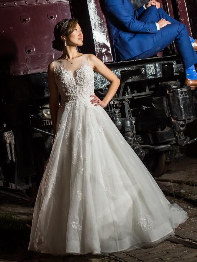 8a4bd3fab0f Essense of Australia D2126 PreOwned Wedding Dress on Sale 40% Off