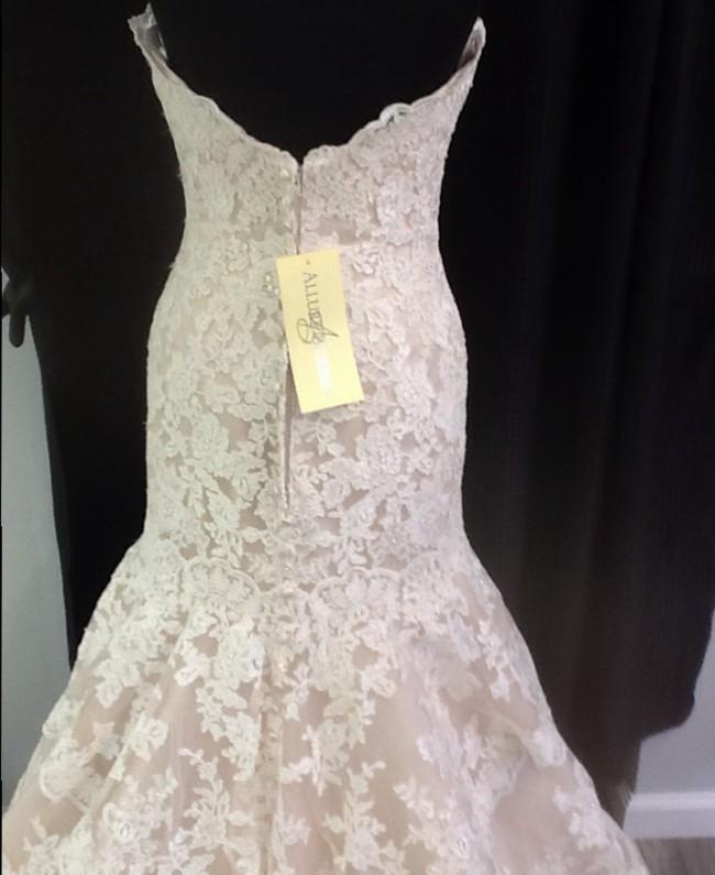 Allure Bridals, 9215