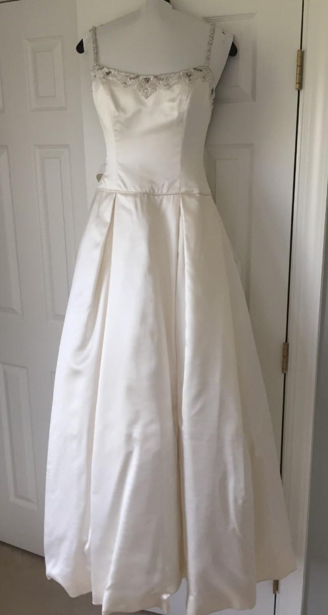 Lazaro Used Wedding Dress on Sale 81% Off - Stillwhite