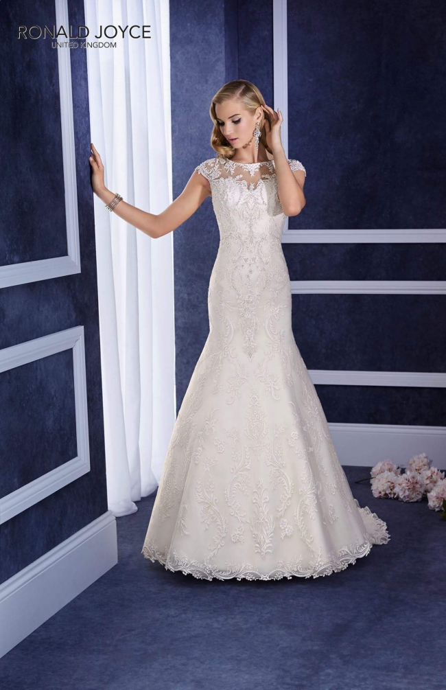 Ronald joyce elana used wedding dress on sale 34 off for Ronald joyce wedding dresses prices