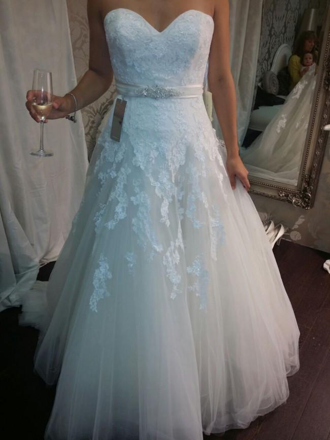 Pronovias Ofil - New Wedding Dresses - Stillwhite