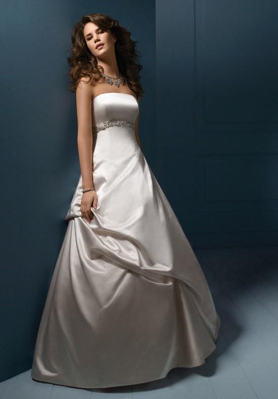 Alfred angelo sapphire 810 wedding dress on sale 71 off junglespirit Choice Image
