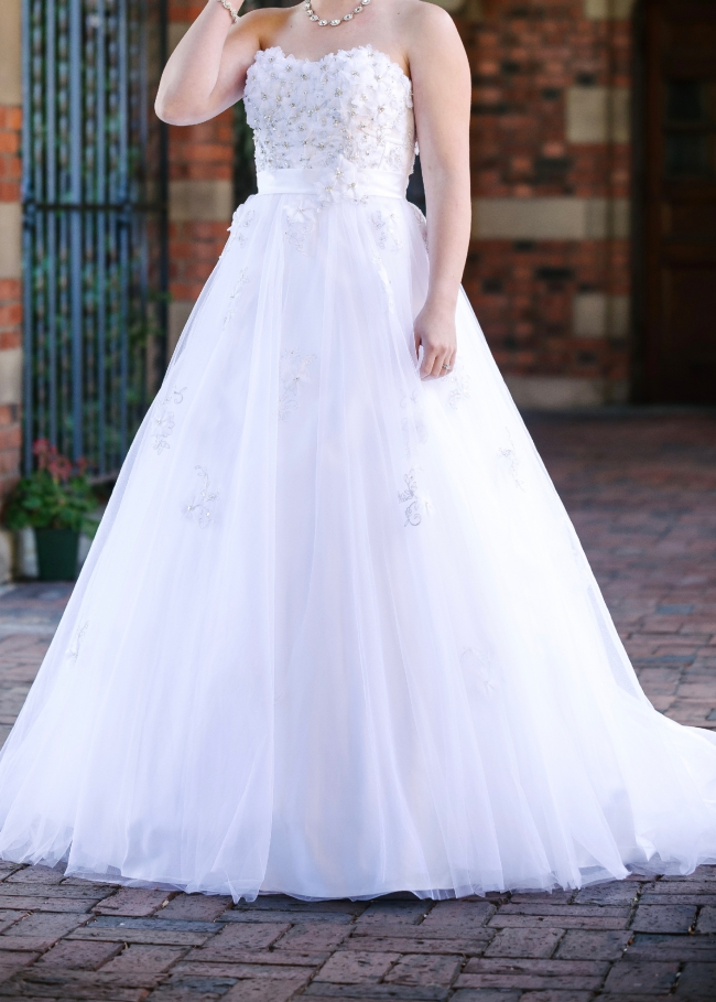 Alfred angelo snow white view 207 second hand wedding dress on sale alfred angelo snow white view 207 junglespirit Image collections
