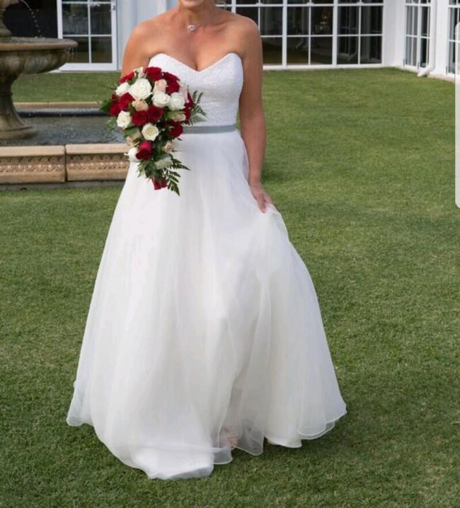 Karen Willis Holmes, Paige