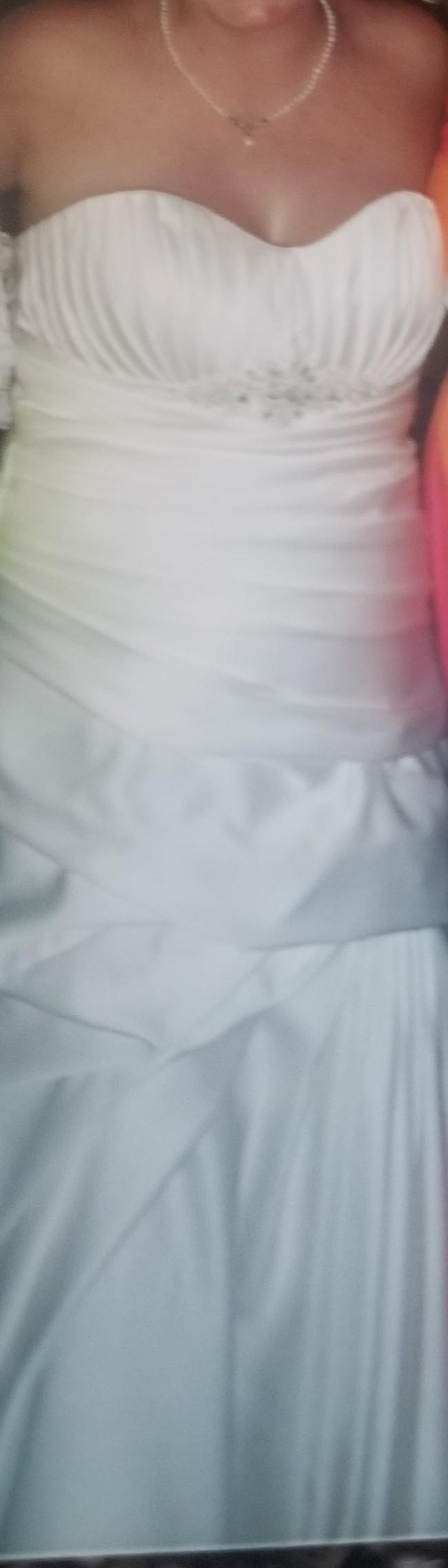 Fit & Flare Preloved Wedding Dress on Sale 85% Off