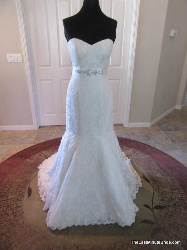 Stella York 5865 - Sample Wedding Dresses - Stillwhite