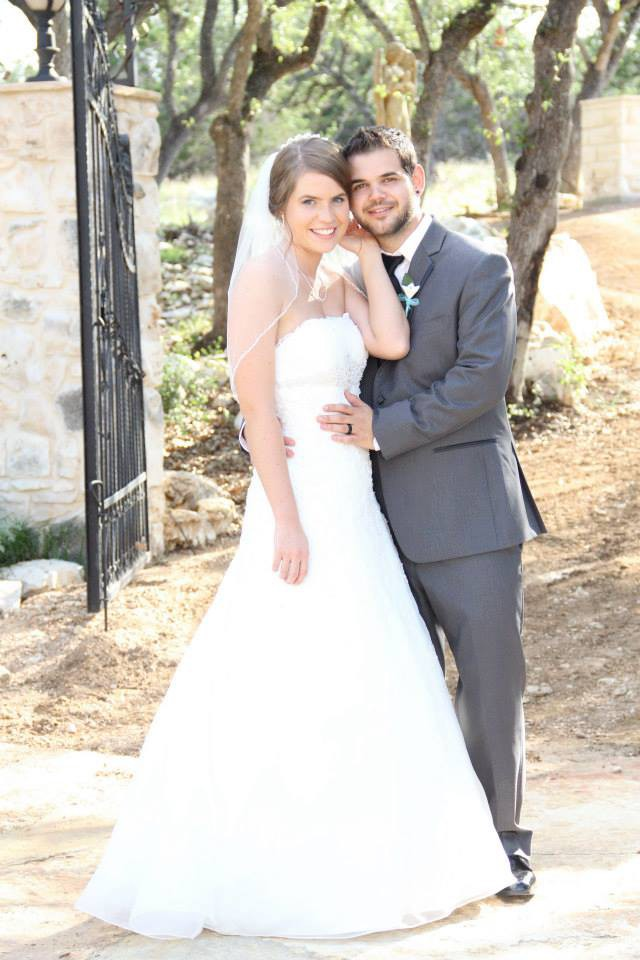 6a8d3050e3f David s Bridal Used Wedding Dress on Sale 75% Off - Stillwhite Colombia
