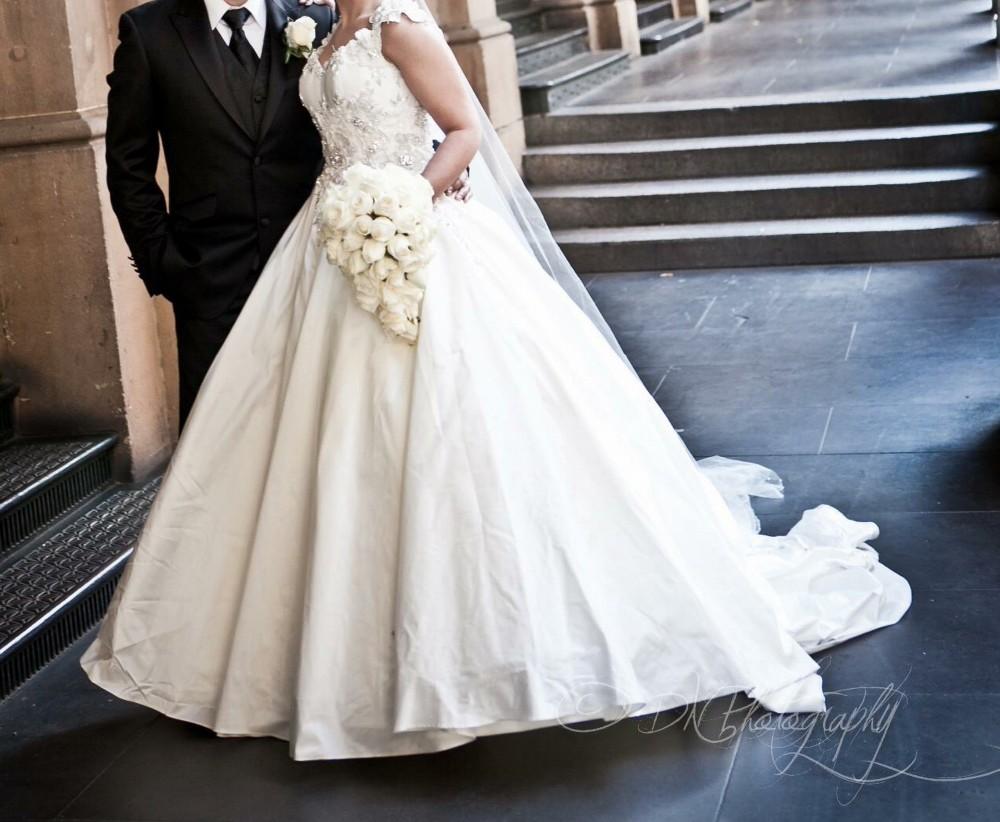 Steven khalil ball gown second hand wedding dress on sale for Steven khalil wedding dresses cost