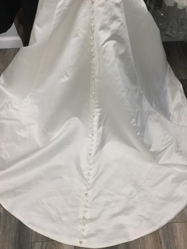 Allure Bridals, 9252