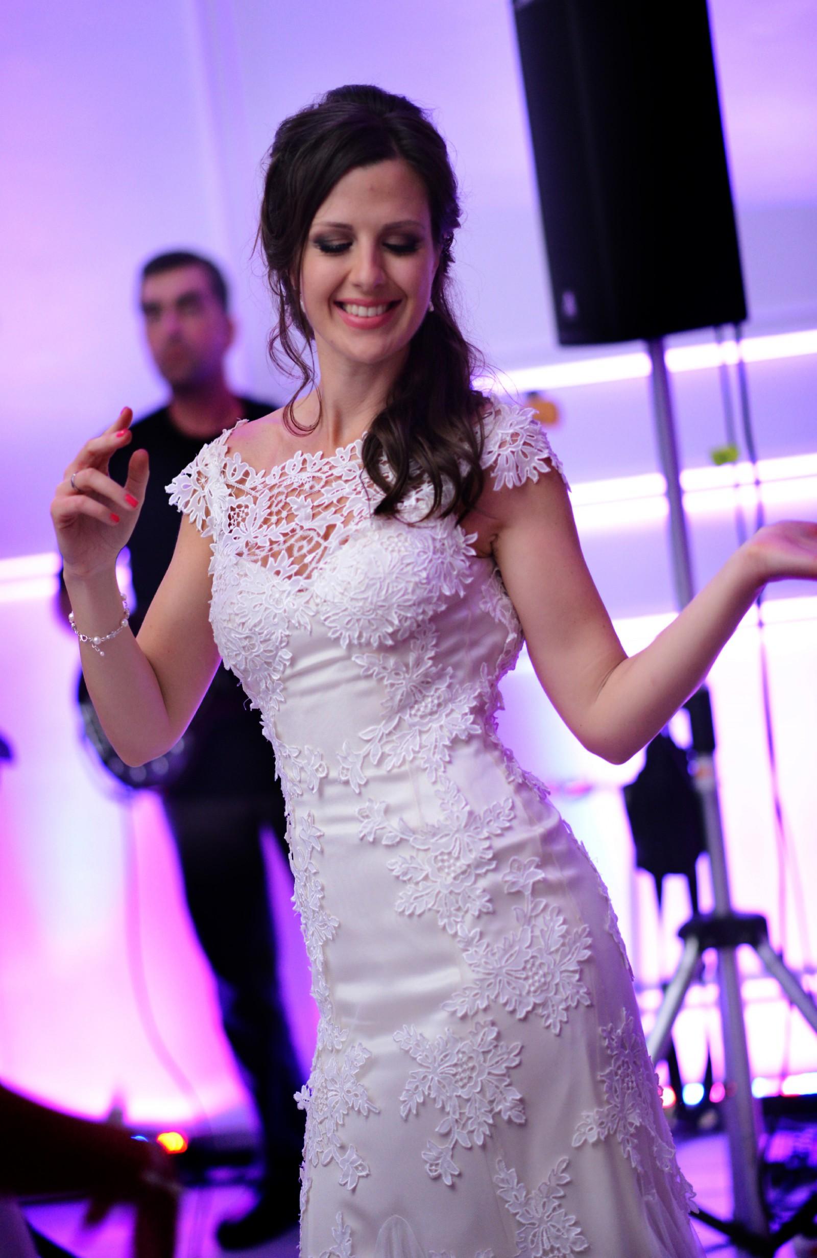 Fara Almasi Used Wedding Dress On Sale 70 Off Stillwhite