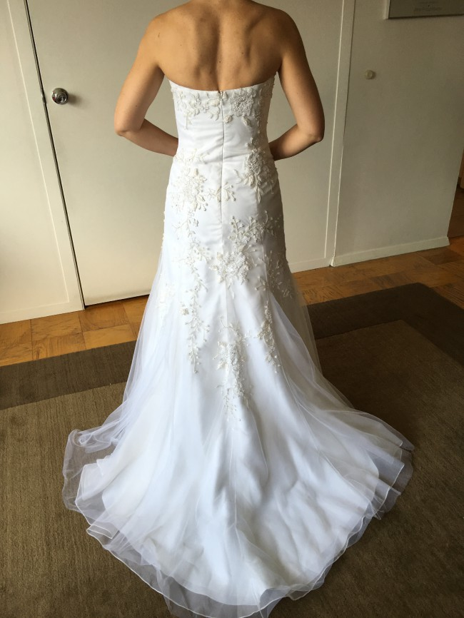 Vera wang second hand wedding dress on sale 88 off for Second hand vera wang wedding dress
