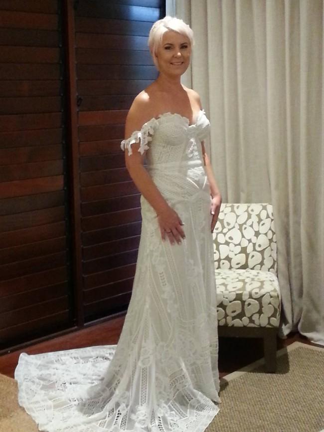 Rue De Seine Fox Gown Used Wedding Dress On Sale 25 Off