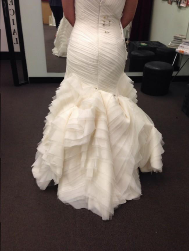Vera wang kareena second hand wedding dress on sale 70 off for Second hand vera wang wedding dress