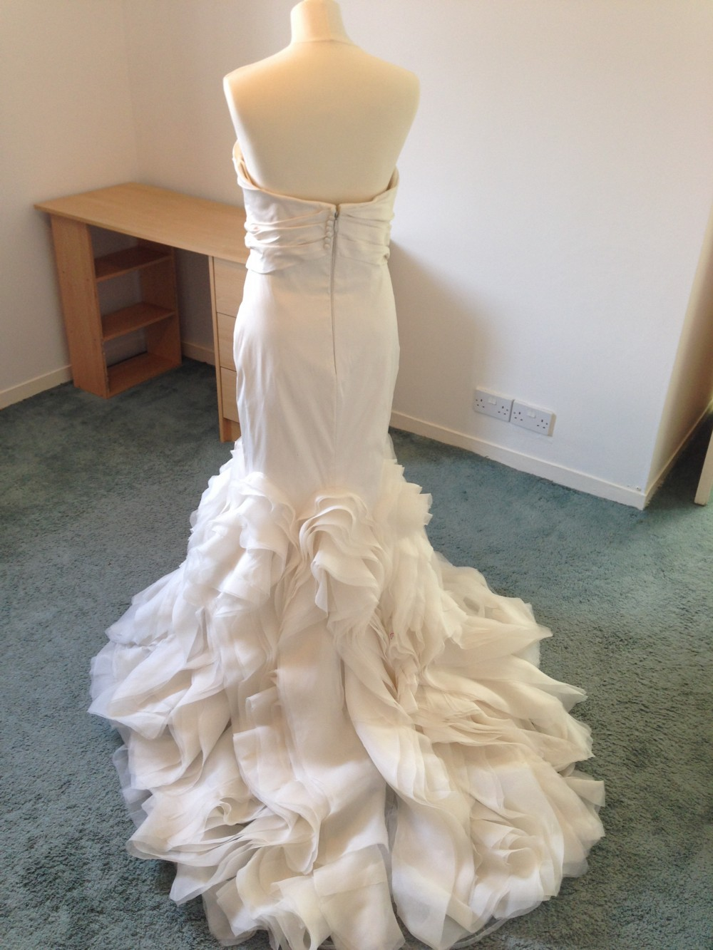 Vera wang ethel second hand wedding dress on sale 63 off for Second hand wedding dresses san diego
