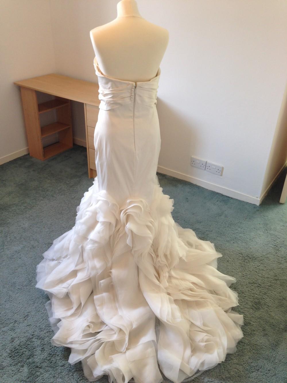 Vera wang ethel second hand wedding dress on sale 63 off for Second hand wedding dresses san diego