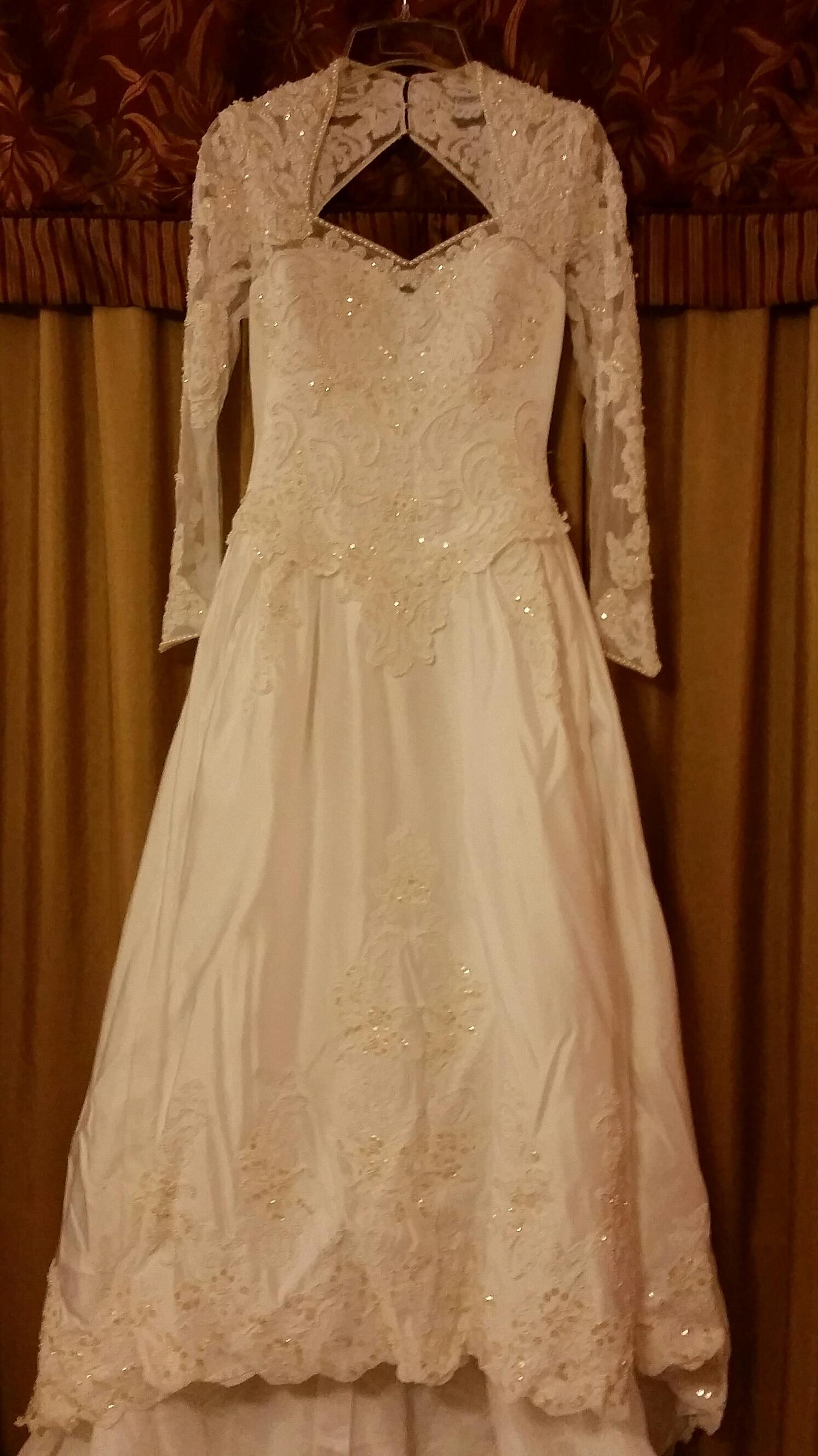 Moonlight second hand wedding dress on sale 75 off for Second hand wedding dresses for sale