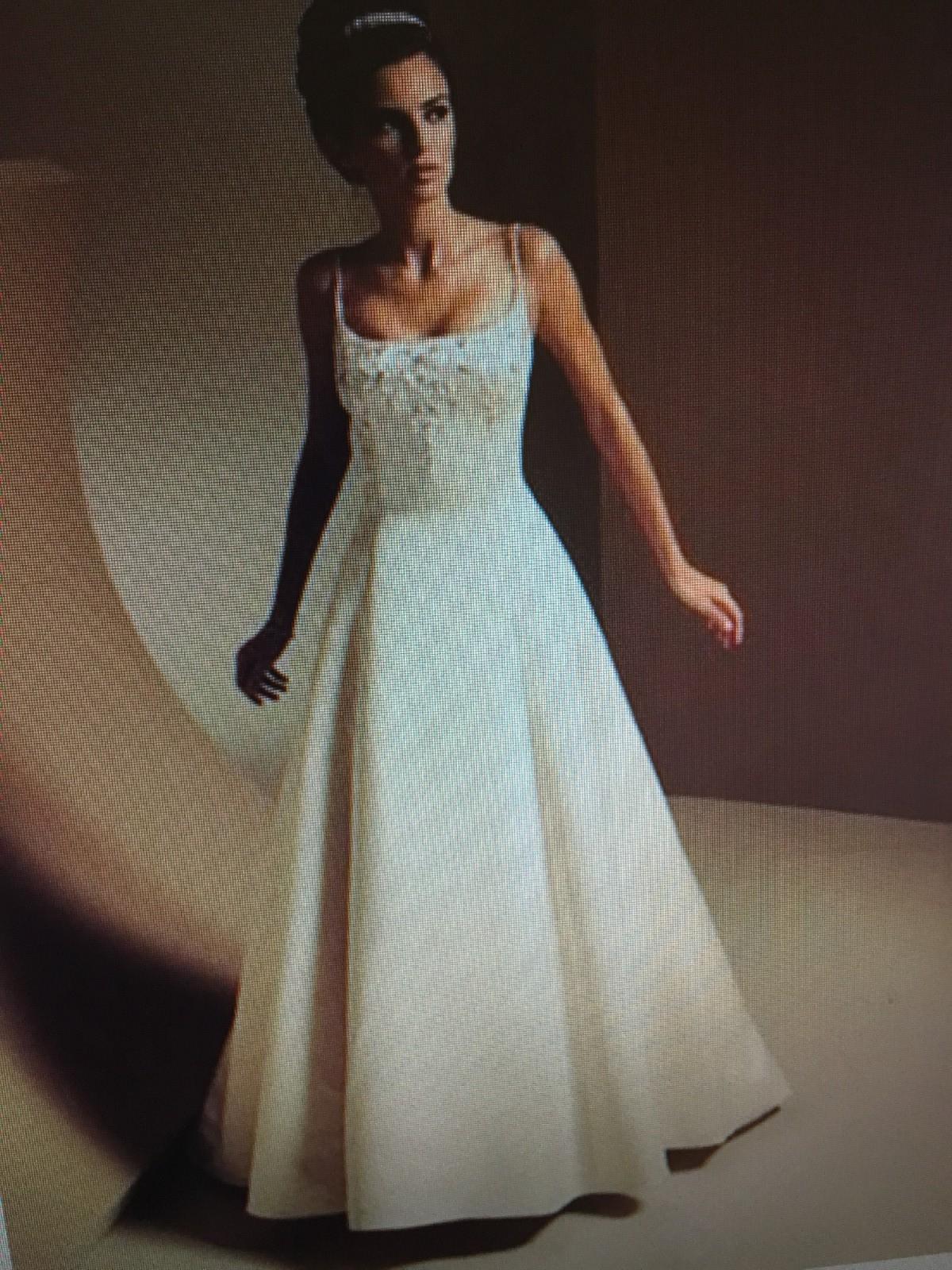 A-Line - Second Hand Wedding Dresses - Stillwhite