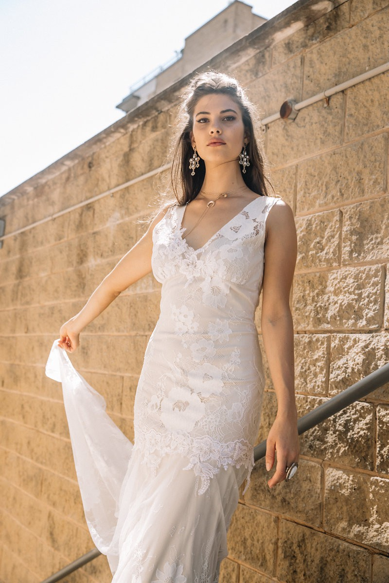 Claire pettibone gardenia gown pre owned wedding dress on for Where to buy claire pettibone wedding dress