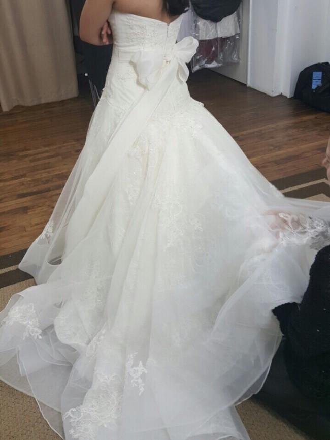 Vera wang second hand wedding dress on sale 60 off for Second hand vera wang wedding dress