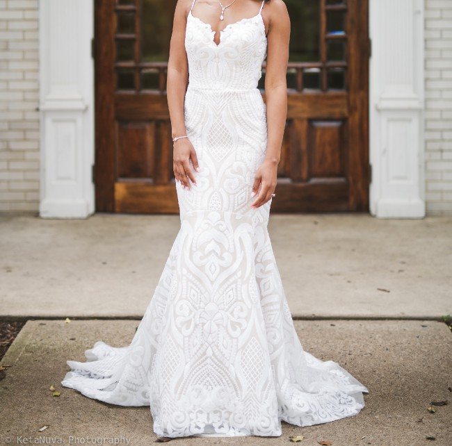 Hayley Paige West Gown 1710 Preowned Wedding Dress On Sale 52 Off