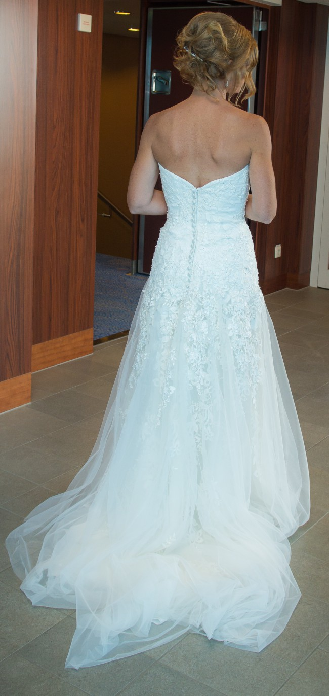 Michelle roth second hand wedding dress on sale 67 off for Where can i get my wedding dress steamed