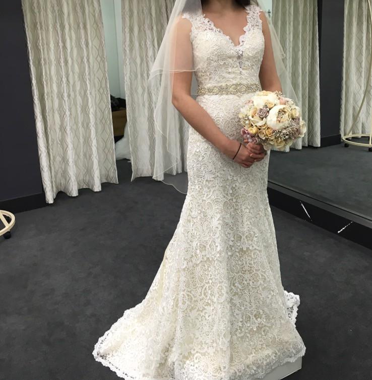 Stella york d2159zz pre owned wedding dress on sale 75 off for Stella york wedding dresses near me