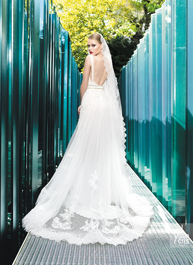 Yolan Cris Aris Preowned Wedding Dress on Sale 34% Off