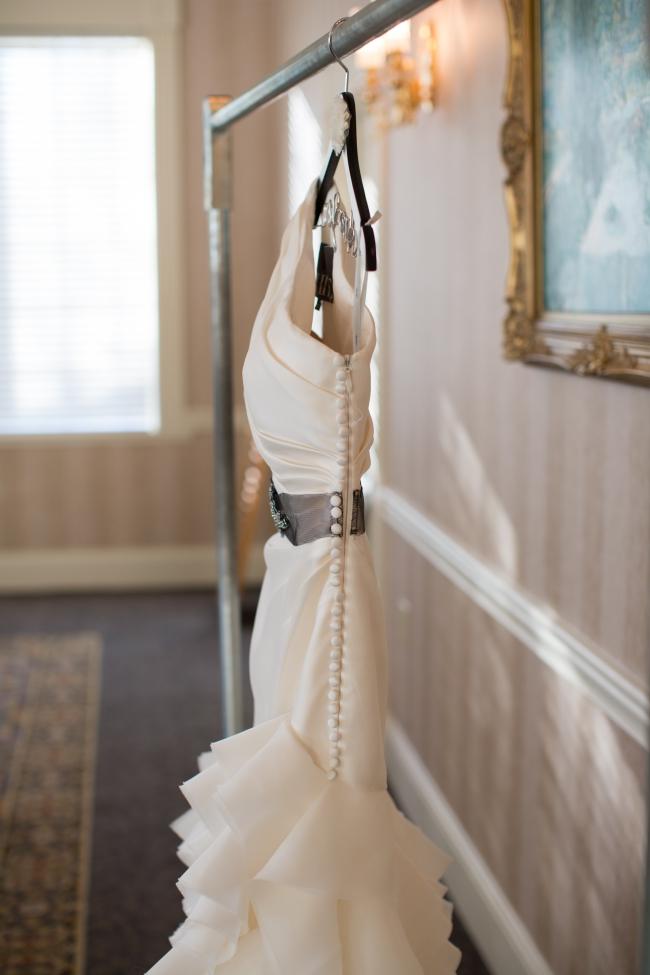 Vera wang second hand wedding dress on sale for Second hand vera wang wedding dress