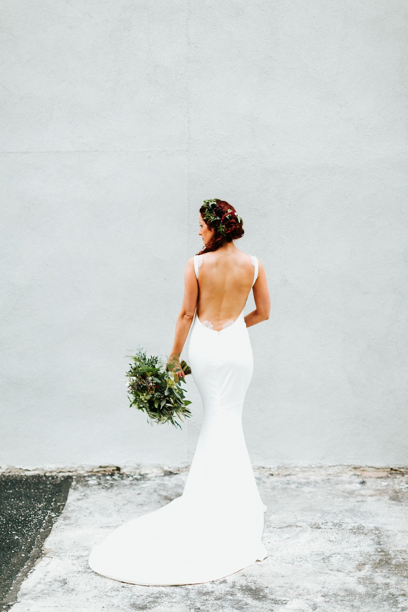 25 low back wedding dresses katie may junglespirit Image collections