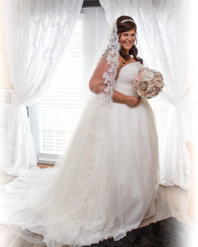 e1c221e228eb Vera Wang White by Vera Wang Plus Size Draped Wedding Dress Preowned ...