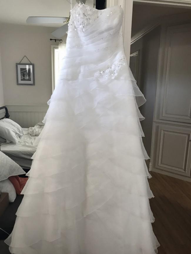 David\'s Bridal WG3196 New Wedding Dress on Sale 39% Off
