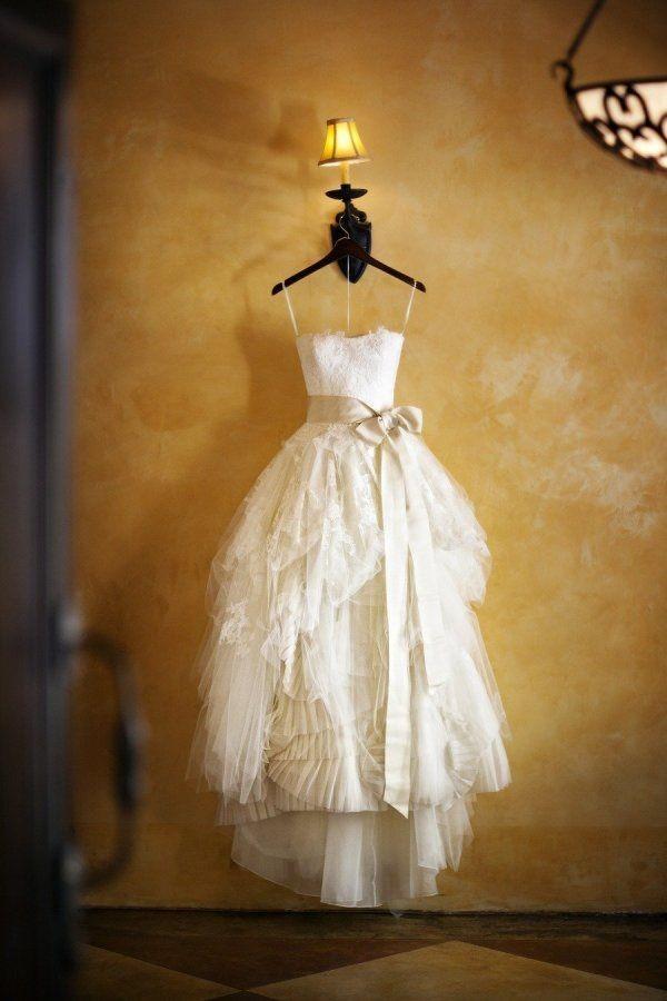 Vera wang eliza second hand wedding dress on sale 45 off for Second hand vera wang wedding dress