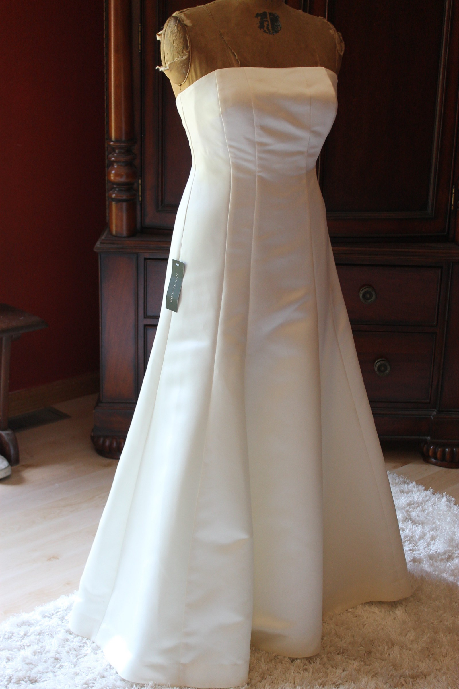 Ann Taylor Ann Taylor Duchess Satin Strapless Wedding Dress New ...