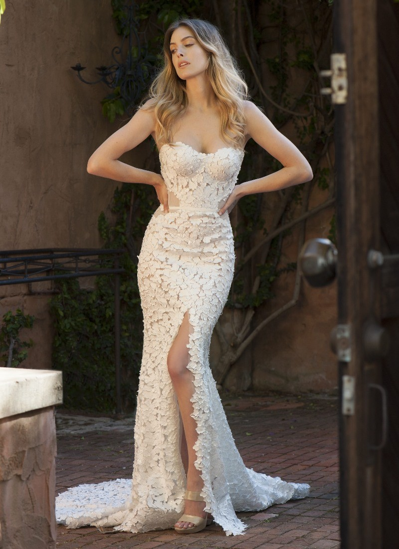 Pallas couture ainsley second hand wedding dress on sale for Second hand wedding dresses for sale